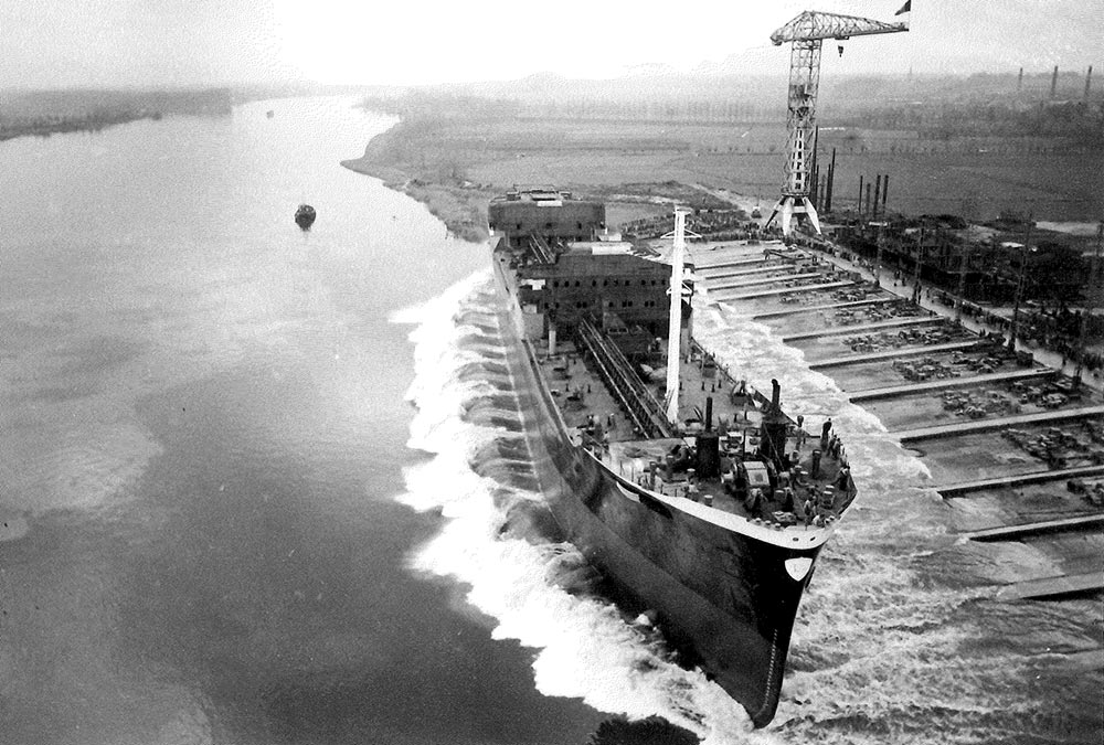 From the late 1950s, the company developed expertise in newbuilding project management and assisted several principals with the construction of one tanker and three bulk carriers at Boelwerf in Belgium.